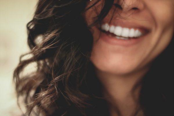 横浜の矯正歯科が教える!インビザライン治療法が選ばれる理由